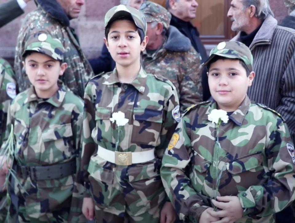 Ֆասթ Կրեդիտը շարունակում է աջակցել պատերազմի մասնակիցներին