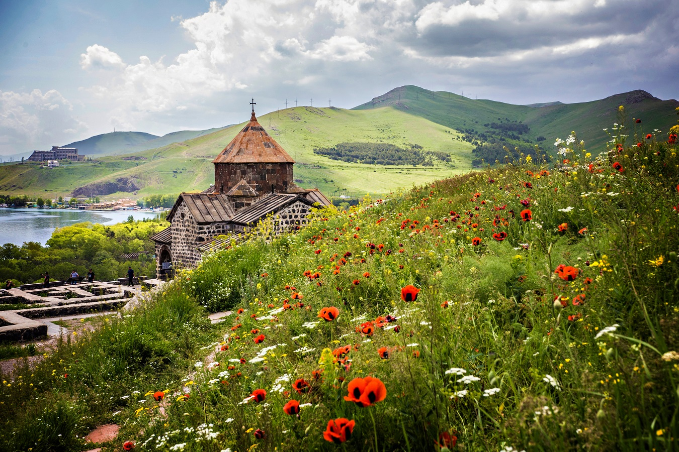 3 low-cost travel spots within Europe